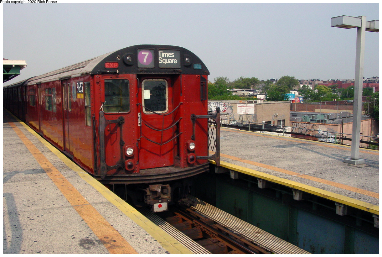 (74k, 820x620)<br><b>Country:</b> United States<br><b>City:</b> New York<br><b>System:</b> New York City Transit<br><b>Line:</b> IRT Flushing Line<br><b>Location:</b> Junction Boulevard <br><b>Route:</b> 7<br><b>Car:</b> R-36 World's Fair (St. Louis, 1963-64) 9633 <br><b>Photo by:</b> Richard Panse<br><b>Date:</b> 7/18/2002<br><b>Viewed (this week/total):</b> 3 / 3590