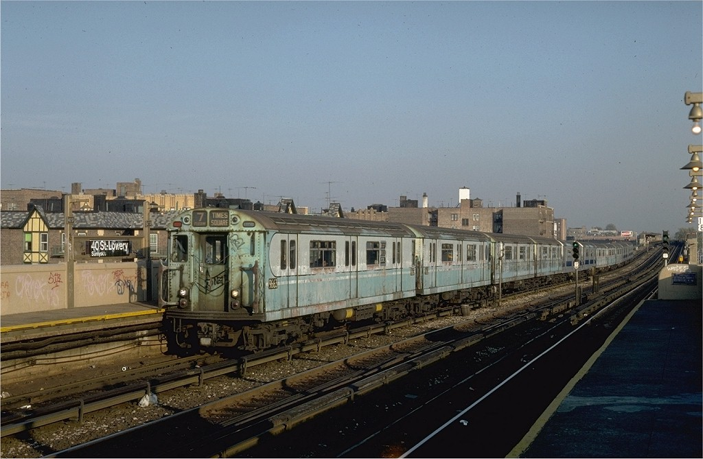 (175k, 1024x669)<br><b>Country:</b> United States<br><b>City:</b> New York<br><b>System:</b> New York City Transit<br><b>Line:</b> IRT Flushing Line<br><b>Location:</b> 40th Street/Lowery Street <br><b>Route:</b> 7<br><b>Car:</b> R-36 World's Fair (St. Louis, 1963-64) 9663 <br><b>Collection of:</b> Joe Testagrose<br><b>Date:</b> 11/2/1981<br><b>Viewed (this week/total):</b> 2 / 3631