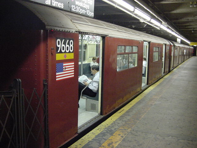 (60k, 640x480)<br><b>Country:</b> United States<br><b>City:</b> New York<br><b>System:</b> New York City Transit<br><b>Line:</b> IRT Flushing Line<br><b>Location:</b> Times Square <br><b>Car:</b> R-36 World's Fair (St. Louis, 1963-64) 9668 <br><b>Photo by:</b> Salaam Allah<br><b>Date:</b> 9/17/2002<br><b>Viewed (this week/total):</b> 2 / 4261