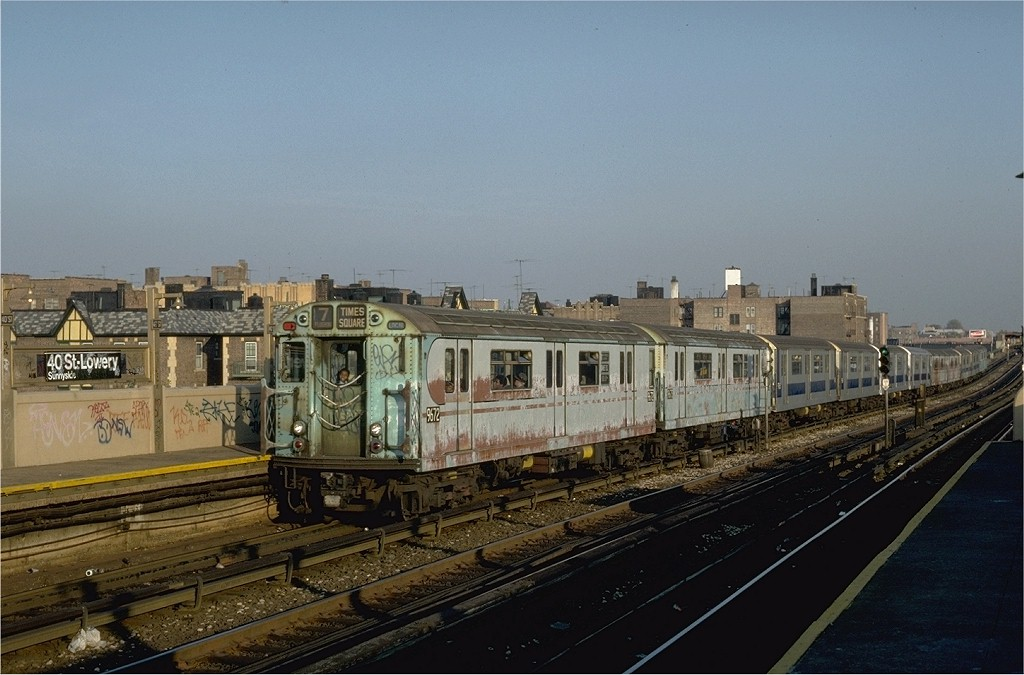(177k, 1024x675)<br><b>Country:</b> United States<br><b>City:</b> New York<br><b>System:</b> New York City Transit<br><b>Line:</b> IRT Flushing Line<br><b>Location:</b> 40th Street/Lowery Street <br><b>Route:</b> 7<br><b>Car:</b> R-36 World's Fair (St. Louis, 1963-64) 9672 <br><b>Collection of:</b> Joe Testagrose<br><b>Date:</b> 11/2/1981<br><b>Viewed (this week/total):</b> 1 / 4106