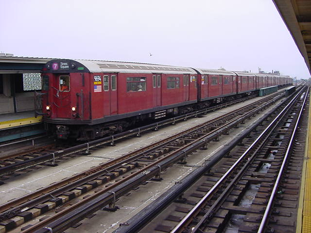 (60k, 640x480)<br><b>Country:</b> United States<br><b>City:</b> New York<br><b>System:</b> New York City Transit<br><b>Line:</b> IRT Flushing Line<br><b>Location:</b> 40th Street/Lowery Street <br><b>Route:</b> 7<br><b>Car:</b> R-36 World's Fair (St. Louis, 1963-64) 9694 <br><b>Photo by:</b> Salaam Allah<br><b>Date:</b> 9/27/2002<br><b>Viewed (this week/total):</b> 0 / 2199