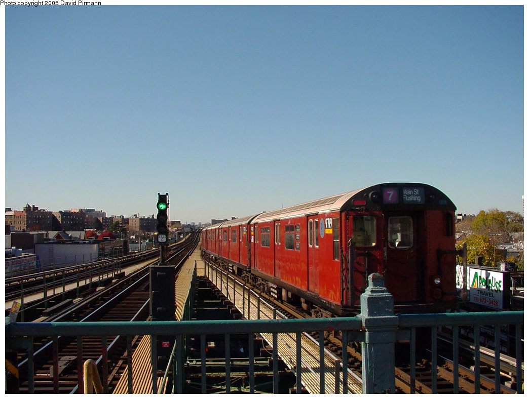 (195k, 1044x788)<br><b>Country:</b> United States<br><b>City:</b> New York<br><b>System:</b> New York City Transit<br><b>Line:</b> IRT Flushing Line<br><b>Location:</b> Junction Boulevard <br><b>Route:</b> 7<br><b>Car:</b> R-36 World's Fair (St. Louis, 1963-64) 9719 <br><b>Photo by:</b> David Pirmann<br><b>Date:</b> 11/11/2001<br><b>Viewed (this week/total):</b> 4 / 3695
