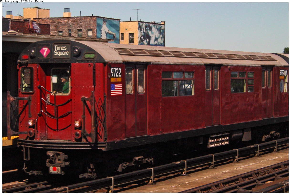 (59k, 820x620)<br><b>Country:</b> United States<br><b>City:</b> New York<br><b>System:</b> New York City Transit<br><b>Line:</b> IRT Flushing Line<br><b>Location:</b> 46th Street/Bliss Street <br><b>Route:</b> 7<br><b>Car:</b> R-36 World's Fair (St. Louis, 1963-64) 9722 <br><b>Photo by:</b> Richard Panse<br><b>Date:</b> 7/11/2002<br><b>Viewed (this week/total):</b> 0 / 2121