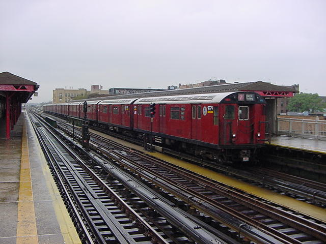 (60k, 640x480)<br><b>Country:</b> United States<br><b>City:</b> New York<br><b>System:</b> New York City Transit<br><b>Line:</b> IRT Flushing Line<br><b>Location:</b> 90th Street/Elmhurst Avenue <br><b>Route:</b> 7<br><b>Car:</b> R-36 World's Fair (St. Louis, 1963-64) 9729 <br><b>Photo by:</b> Salaam Allah<br><b>Date:</b> 9/26/2002<br><b>Viewed (this week/total):</b> 2 / 3735