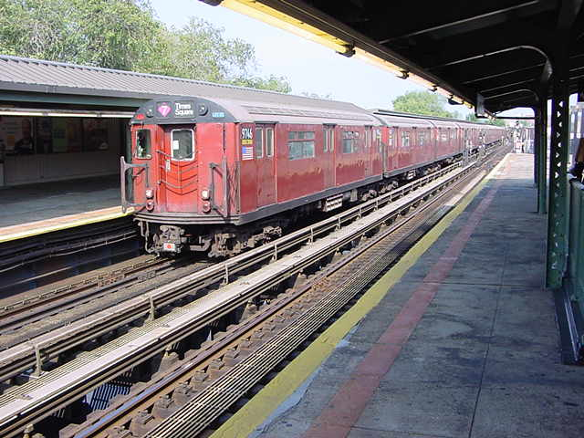 (58k, 640x480)<br><b>Country:</b> United States<br><b>City:</b> New York<br><b>System:</b> New York City Transit<br><b>Line:</b> IRT Flushing Line<br><b>Location:</b> Willets Point/Mets (fmr. Shea Stadium) <br><b>Route:</b> 7<br><b>Car:</b> R-36 World's Fair (St. Louis, 1963-64) 9746 <br><b>Photo by:</b> Salaam Allah<br><b>Date:</b> 9/21/2002<br><b>Viewed (this week/total):</b> 3 / 2124