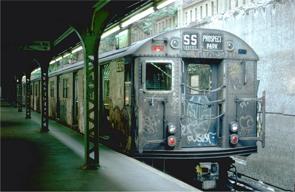 (204k, 1024x668)<br><b>Country:</b> United States<br><b>City:</b> New York<br><b>System:</b> New York City Transit<br><b>Line:</b> BMT Franklin<br><b>Location:</b> Prospect Park <br><b>Route:</b> Franklin Shuttle<br><b>Car:</b> R-30 (St. Louis, 1961) 8309 <br><b>Photo by:</b> Steve Zabel<br><b>Collection of:</b> Joe Testagrose<br><b>Date:</b> 6/26/1982<br><b>Viewed (this week/total):</b> 3 / 4361