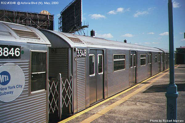 (77k, 600x400)<br><b>Country:</b> United States<br><b>City:</b> New York<br><b>System:</b> New York City Transit<br><b>Line:</b> BMT Astoria Line<br><b>Location:</b> Astoria Boulevard/Hoyt Avenue <br><b>Route:</b> N<br><b>Car:</b> R-32 (Budd, 1964)  3348 <br><b>Photo by:</b> Robert Marrero<br><b>Date:</b> 5/2000<br><b>Viewed (this week/total):</b> 3 / 16190