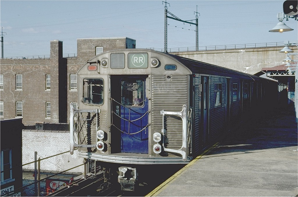 (242k, 1024x679)<br><b>Country:</b> United States<br><b>City:</b> New York<br><b>System:</b> New York City Transit<br><b>Line:</b> BMT Astoria Line<br><b>Location:</b> Ditmars Boulevard <br><b>Route:</b> RR<br><b>Car:</b> R-32 (Budd, 1964)  3382 <br><b>Photo by:</b> Steve Zabel<br><b>Collection of:</b> Joe Testagrose<br><b>Date:</b> 7/23/1981<br><b>Viewed (this week/total):</b> 0 / 5031