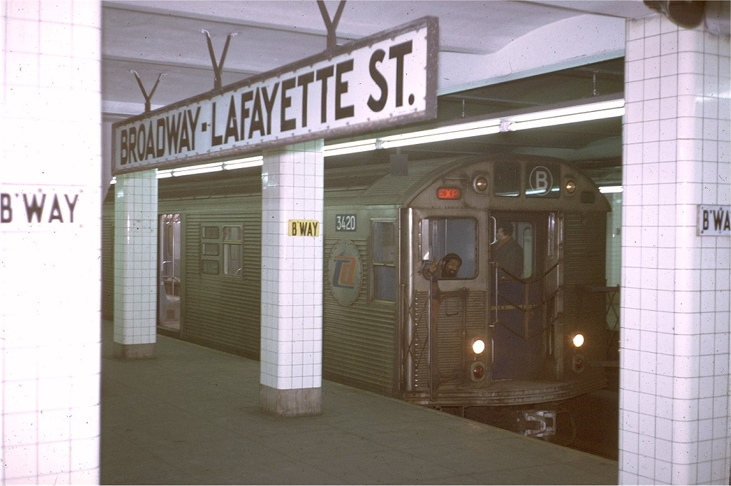 (158k, 1024x682)<br><b>Country:</b> United States<br><b>City:</b> New York<br><b>System:</b> New York City Transit<br><b>Line:</b> IND 6th Avenue Line<br><b>Location:</b> Broadway/Lafayette <br><b>Route:</b> B<br><b>Car:</b> R-32 (Budd, 1964)  3420 <br><b>Collection of:</b> Joe Testagrose<br><b>Date:</b> 1/23/1971<br><b>Viewed (this week/total):</b> 1 / 6249