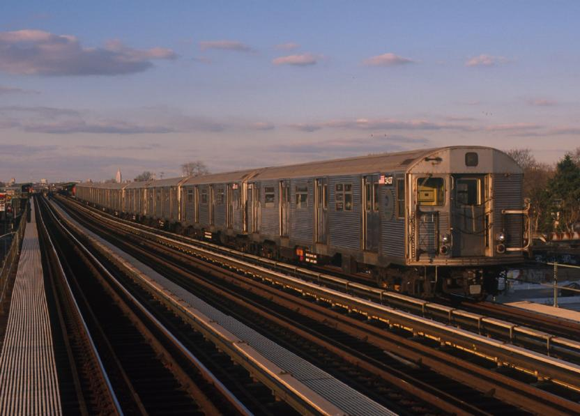 (62k, 832x597)<br><b>Country:</b> United States<br><b>City:</b> New York<br><b>System:</b> New York City Transit<br><b>Line:</b> BMT Culver Line<br><b>Location:</b> Bay Parkway (22nd Avenue) <br><b>Route:</b> F<br><b>Car:</b> R-32 (Budd, 1964)  3437 <br><b>Photo by:</b> Chao-Hwa Chen<br><b>Date:</b> 12/30/2001<br><b>Viewed (this week/total):</b> 1 / 4567