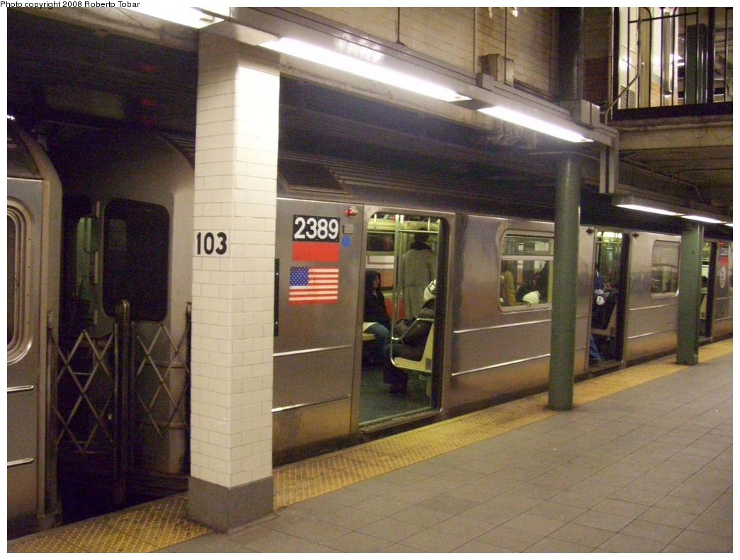 (214k, 1044x791)<br><b>Country:</b> United States<br><b>City:</b> New York<br><b>System:</b> New York City Transit<br><b>Line:</b> IRT West Side Line<br><b>Location:</b> 103rd Street <br><b>Route:</b> 1<br><b>Car:</b> R-62A (Bombardier, 1984-1987)  2389 <br><b>Photo by:</b> Roberto C. Tobar<br><b>Date:</b> 1/19/2008<br><b>Viewed (this week/total):</b> 6 / 2286