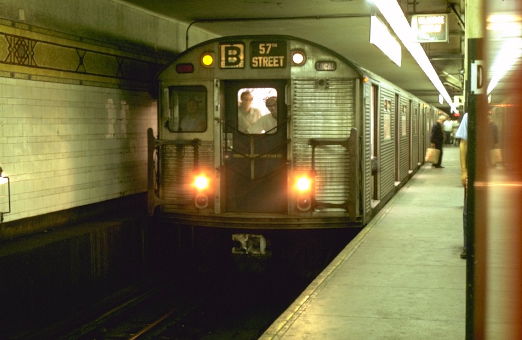 (134k, 1024x668)<br><b>Country:</b> United States<br><b>City:</b> New York<br><b>System:</b> New York City Transit<br><b>Location:</b> DeKalb Avenue<br><b>Route:</b> B<br><b>Car:</b> R-32 (Budd, 1964)  3569 <br><b>Photo by:</b> Joe Testagrose<br><b>Date:</b> 8/10/1969<br><b>Viewed (this week/total):</b> 5 / 3942
