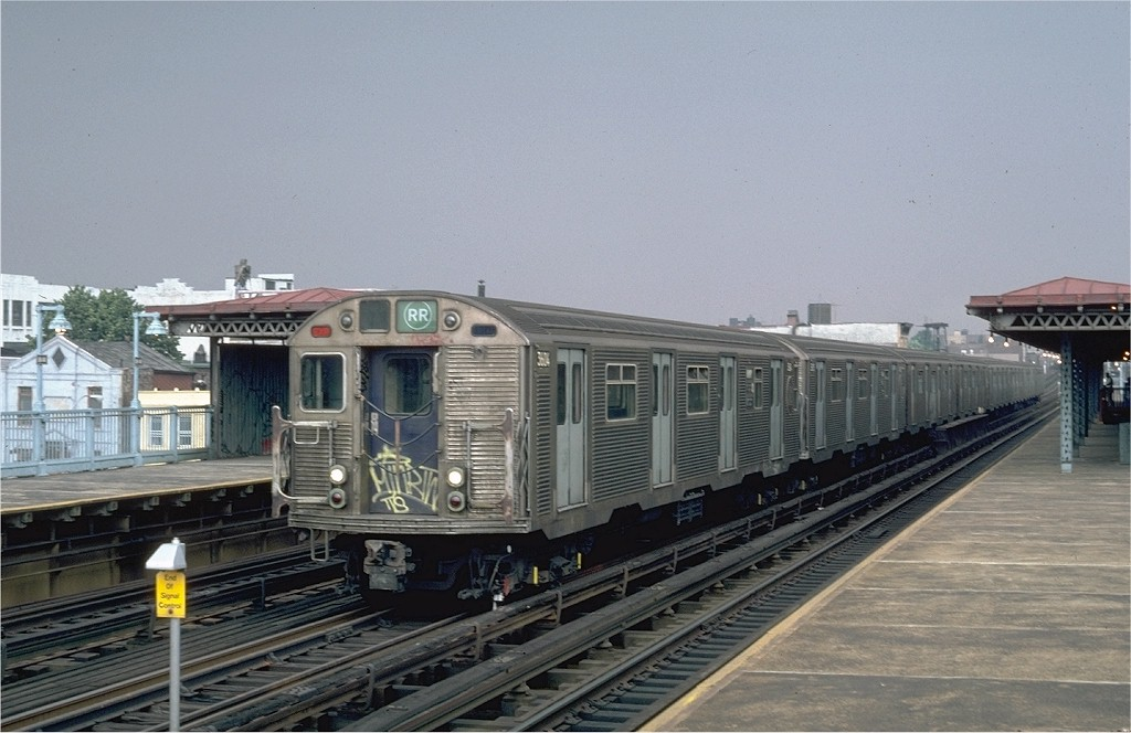(171k, 1024x664)<br><b>Country:</b> United States<br><b>City:</b> New York<br><b>System:</b> New York City Transit<br><b>Line:</b> BMT Astoria Line<br><b>Location:</b> 39th/Beebe Aves. <br><b>Route:</b> RR<br><b>Car:</b> R-32 (Budd, 1964)  3604 <br><b>Photo by:</b> Steve Zabel<br><b>Collection of:</b> Joe Testagrose<br><b>Date:</b> 8/5/1982<br><b>Viewed (this week/total):</b> 3 / 4393