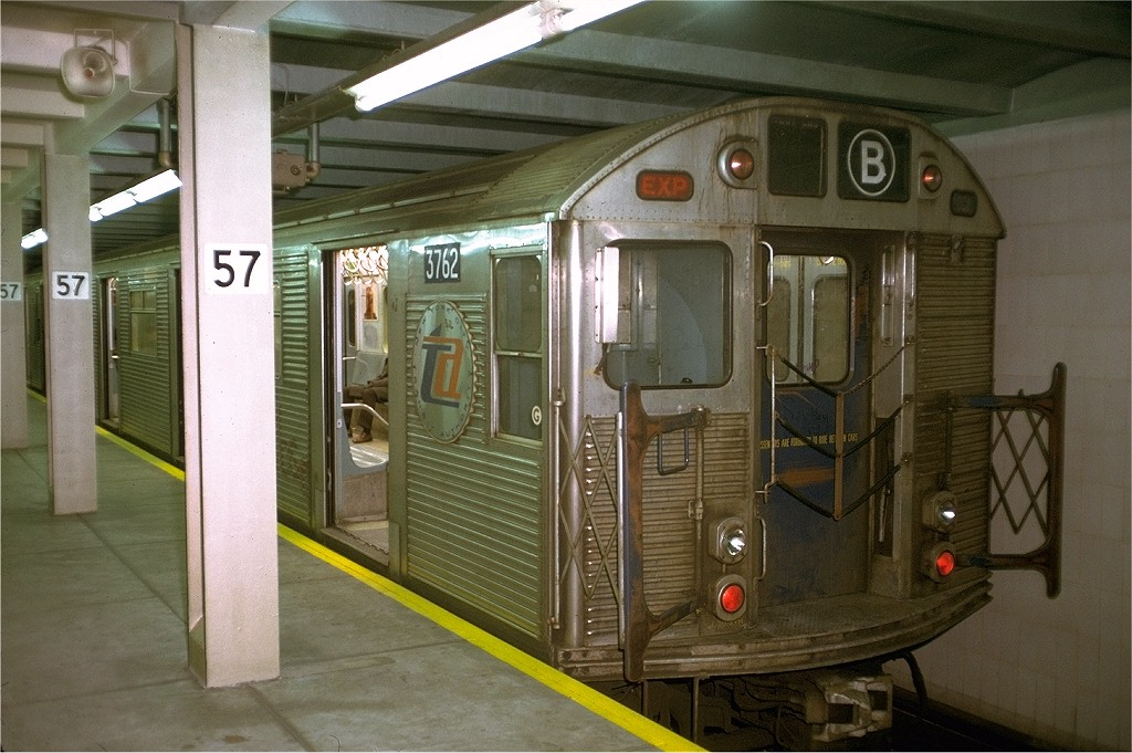 (196k, 1024x681)<br><b>Country:</b> United States<br><b>City:</b> New York<br><b>System:</b> New York City Transit<br><b>Line:</b> IND 6th Avenue Line<br><b>Location:</b> 57th Street <br><b>Route:</b> B<br><b>Car:</b> R-32 (Budd, 1964)  3762 <br><b>Collection of:</b> Joe Testagrose<br><b>Date:</b> 12/7/1972<br><b>Viewed (this week/total):</b> 7 / 3797