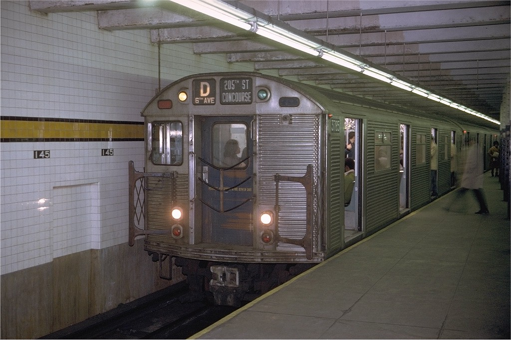 (199k, 1024x681)<br><b>Country:</b> United States<br><b>City:</b> New York<br><b>System:</b> New York City Transit<br><b>Line:</b> IND 8th Avenue Line<br><b>Location:</b> 145th Street <br><b>Route:</b> D<br><b>Car:</b> R-32 (Budd, 1964)  3785 <br><b>Photo by:</b> Joe Testagrose<br><b>Date:</b> 11/29/1970<br><b>Viewed (this week/total):</b> 4 / 3798