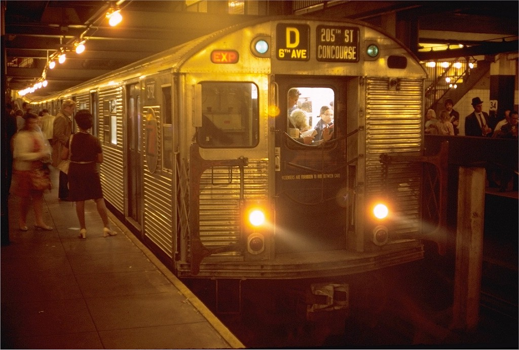 (181k, 1024x691)<br><b>Country:</b> United States<br><b>City:</b> New York<br><b>System:</b> New York City Transit<br><b>Line:</b> IND 6th Avenue Line<br><b>Location:</b> 34th Street/Herald Square <br><b>Route:</b> D<br><b>Car:</b> R-32 (Budd, 1964)  3792 <br><b>Photo by:</b> Doug Grotjahn<br><b>Collection of:</b> Joe Testagrose<br><b>Date:</b> 5/13/1970<br><b>Viewed (this week/total):</b> 0 / 3826