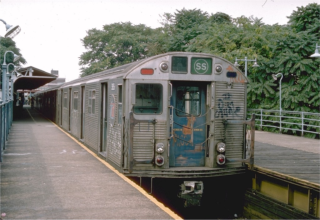(260k, 1024x703)<br><b>Country:</b> United States<br><b>City:</b> New York<br><b>System:</b> New York City Transit<br><b>Line:</b> BMT Franklin<br><b>Location:</b> Franklin Avenue <br><b>Route:</b> Franklin Shuttle<br><b>Car:</b> R-32 (Budd, 1964)  3836 <br><b>Photo by:</b> Ed McKernan<br><b>Collection of:</b> Joe Testagrose<br><b>Date:</b> 8/1975<br><b>Viewed (this week/total):</b> 1 / 4116