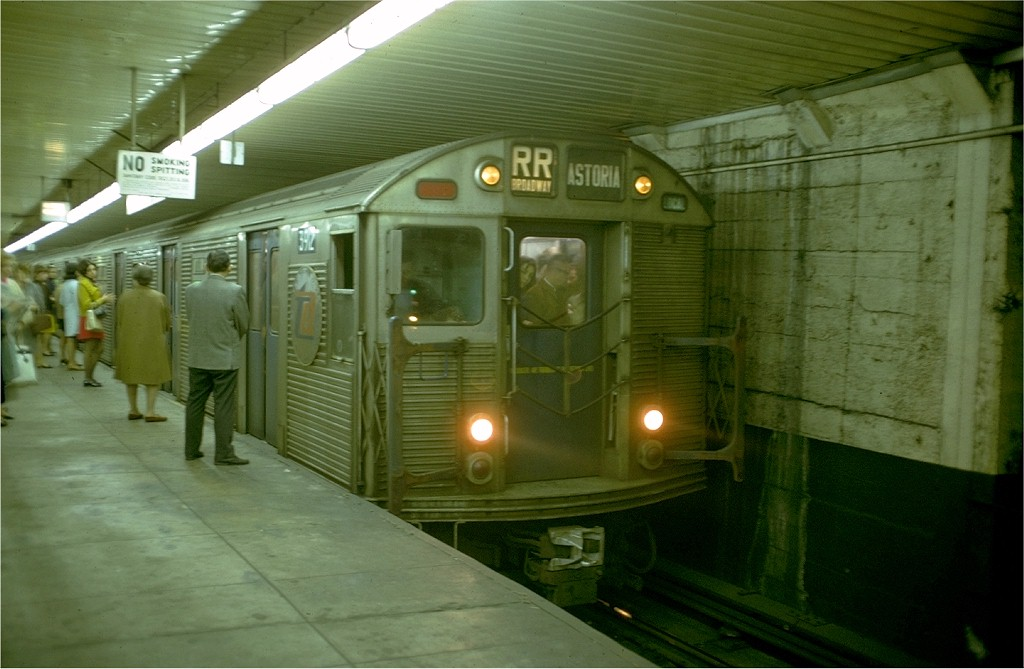 (155k, 1024x669)<br><b>Country:</b> United States<br><b>City:</b> New York<br><b>System:</b> New York City Transit<br><b>Location:</b> DeKalb Avenue<br><b>Route:</b> RR<br><b>Car:</b> R-32 (Budd, 1964)  3912 <br><b>Photo by:</b> Doug Grotjahn<br><b>Collection of:</b> Joe Testagrose<br><b>Date:</b> 10/8/1968<br><b>Viewed (this week/total):</b> 0 / 3857