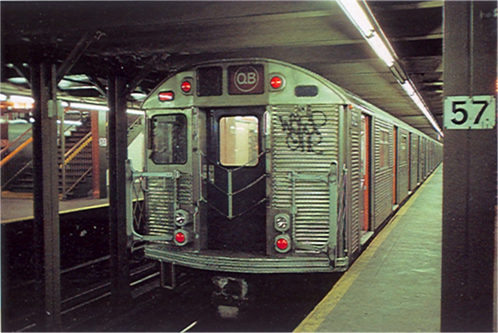 (169k, 1024x685)<br><b>Country:</b> United States<br><b>City:</b> New York<br><b>System:</b> New York City Transit<br><b>Line:</b> BMT Broadway Line<br><b>Location:</b> 57th Street <br><b>Route:</b> QB<br><b>Car:</b> R-32 (Budd, 1964)  3922 <br><b>Photo by:</b> Doug Grotjahn<br><b>Collection of:</b> Joe Testagrose<br><b>Date:</b> 12/23/1976<br><b>Viewed (this week/total):</b> 1 / 5016