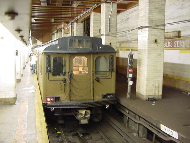 (60k, 640x480)<br><b>Country:</b> United States<br><b>City:</b> New York<br><b>System:</b> New York City Transit<br><b>Line:</b> BMT Nassau Street/Jamaica Line<br><b>Location:</b> Chambers Street <br><b>Route:</b> Fan Trip<br><b>Car:</b> BMT D-Type Triplex 6112 <br><b>Photo by:</b> Salaam Allah<br><b>Date:</b> 9/22/2002<br><b>Viewed (this week/total):</b> 1 / 4354