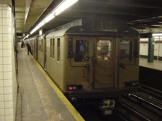 (59k, 640x480)<br><b>Country:</b> United States<br><b>City:</b> New York<br><b>System:</b> New York City Transit<br><b>Line:</b> IND Crosstown Line<br><b>Location:</b> Church Avenue <br><b>Route:</b> Fan Trip<br><b>Car:</b> BMT D-Type Triplex 6112 <br><b>Photo by:</b> Salaam Allah<br><b>Date:</b> 9/22/2002<br><b>Viewed (this week/total):</b> 2 / 2910