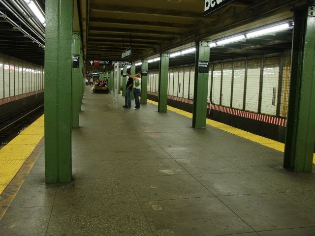 (144k, 640x480)<br><b>Country:</b> United States<br><b>City:</b> New York<br><b>System:</b> New York City Transit<br><b>Line:</b> BMT Canarsie Line<br><b>Location:</b> Bedford Avenue <br><b>Photo by:</b> Kevin Lee<br><b>Date:</b> 6/23/2005<br><b>Viewed (this week/total):</b> 2 / 2577