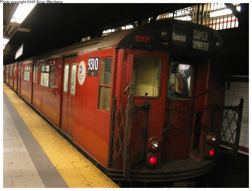 (86k, 820x620)<br><b>Country:</b> United States<br><b>City:</b> New York<br><b>System:</b> New York City Transit<br><b>Line:</b> IRT East Side Line<br><b>Location:</b> Brooklyn Bridge/City Hall <br><b>Route:</b> Fan Trip<br><b>Car:</b> R-33 World's Fair (St. Louis, 1963-64) 9310 <br><b>Photo by:</b> Brian Weinberg<br><b>Date:</b> 12/21/2003<br><b>Viewed (this week/total):</b> 2 / 3756
