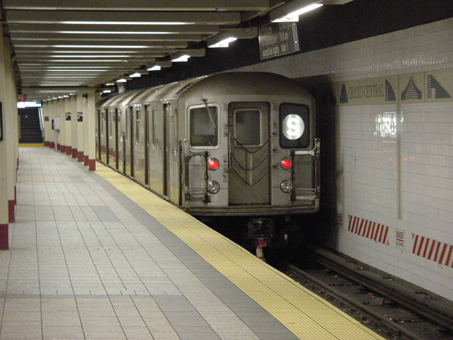 (60k, 640x480)<br><b>Country:</b> United States<br><b>City:</b> New York<br><b>System:</b> New York City Transit<br><b>Line:</b> IRT Times Square-Grand Central Shuttle<br><b>Location:</b> Grand Central <br><b>Route:</b> S<br><b>Car:</b> R-62A (Bombardier, 1984-1987)   <br><b>Photo by:</b> Salaam Allah<br><b>Date:</b> 9/23/2002<br><b>Viewed (this week/total):</b> 1 / 2854