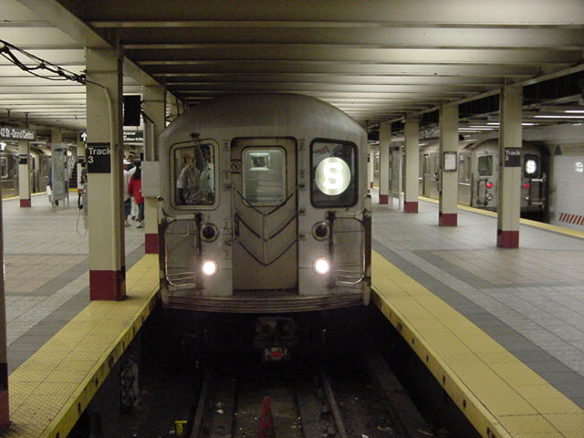(59k, 640x480)<br><b>Country:</b> United States<br><b>City:</b> New York<br><b>System:</b> New York City Transit<br><b>Line:</b> IRT Times Square-Grand Central Shuttle<br><b>Location:</b> Grand Central <br><b>Route:</b> S<br><b>Car:</b> R-62A (Bombardier, 1984-1987)   <br><b>Photo by:</b> Salaam Allah<br><b>Date:</b> 9/23/2002<br><b>Viewed (this week/total):</b> 5 / 2948