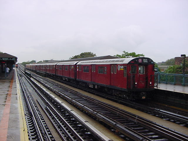 (61k, 640x480)<br><b>Country:</b> United States<br><b>City:</b> New York<br><b>System:</b> New York City Transit<br><b>Line:</b> IRT Flushing Line<br><b>Location:</b> 103rd Street/Corona Plaza <br><b>Route:</b> 7<br><b>Car:</b> R-36 World's Fair (St. Louis, 1963-64) 9689 <br><b>Photo by:</b> Salaam Allah<br><b>Date:</b> 9/26/2002<br><b>Viewed (this week/total):</b> 2 / 1770