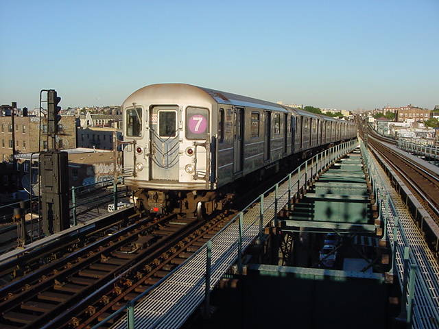 (60k, 640x480)<br><b>Country:</b> United States<br><b>City:</b> New York<br><b>System:</b> New York City Transit<br><b>Line:</b> IRT Flushing Line<br><b>Location:</b> 61st Street/Woodside <br><b>Route:</b> 7<br><b>Car:</b> R-62A (Bombardier, 1984-1987)   <br><b>Photo by:</b> Salaam Allah<br><b>Date:</b> 9/18/2002<br><b>Viewed (this week/total):</b> 4 / 2350