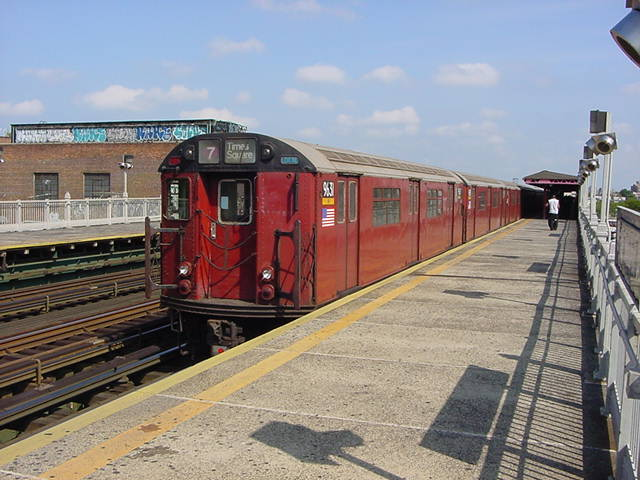 (60k, 640x480)<br><b>Country:</b> United States<br><b>City:</b> New York<br><b>System:</b> New York City Transit<br><b>Line:</b> IRT Flushing Line<br><b>Location:</b> 90th Street/Elmhurst Avenue <br><b>Route:</b> 7<br><b>Car:</b> R-36 World's Fair (St. Louis, 1963-64) 9631 <br><b>Photo by:</b> Salaam Allah<br><b>Date:</b> 9/24/2002<br><b>Viewed (this week/total):</b> 1 / 1361