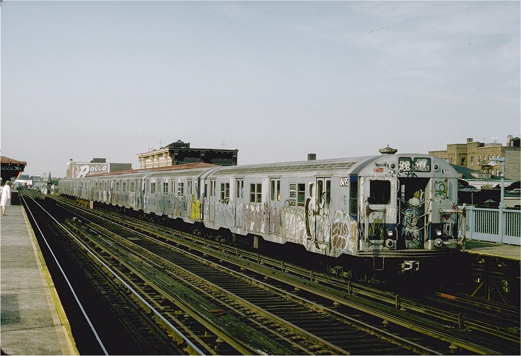 (232k, 1024x701)<br><b>Country:</b> United States<br><b>City:</b> New York<br><b>System:</b> New York City Transit<br><b>Line:</b> BMT Astoria Line<br><b>Location:</b> Broadway <br><b>Route:</b> RR<br><b>Car:</b> R-30 (St. Louis, 1961) 8495 <br><b>Photo by:</b> Ed McKernan<br><b>Collection of:</b> Joe Testagrose<br><b>Date:</b> 6/1976<br><b>Viewed (this week/total):</b> 2 / 2775