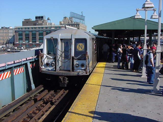 (61k, 640x480)<br><b>Country:</b> United States<br><b>City:</b> New York<br><b>System:</b> New York City Transit<br><b>Line:</b> BMT Astoria Line<br><b>Location:</b> Queensborough Plaza <br><b>Route:</b> N<br><b>Car:</b> R-40 (St. Louis, 1968)   <br><b>Photo by:</b> Salaam Allah<br><b>Date:</b> 9/18/2002<br><b>Viewed (this week/total):</b> 5 / 2879