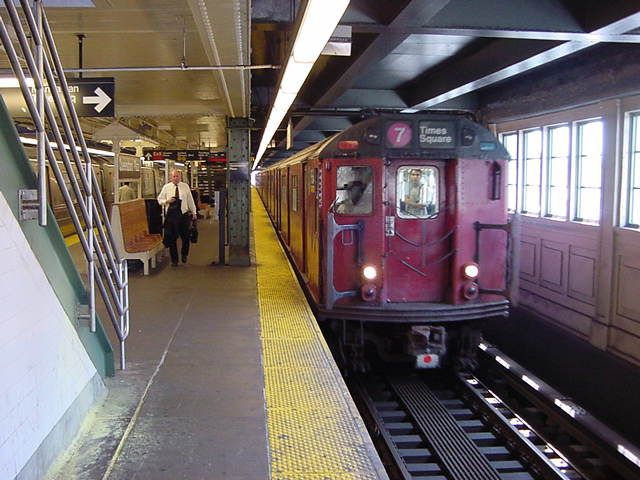 (60k, 640x480)<br><b>Country:</b> United States<br><b>City:</b> New York<br><b>System:</b> New York City Transit<br><b>Line:</b> IRT Flushing Line<br><b>Location:</b> Queensborough Plaza <br><b>Car:</b> R-36 World's Fair (St. Louis, 1963-64) 9564 <br><b>Photo by:</b> Salaam Allah<br><b>Date:</b> 9/19/2002<br><b>Viewed (this week/total):</b> 2 / 3001