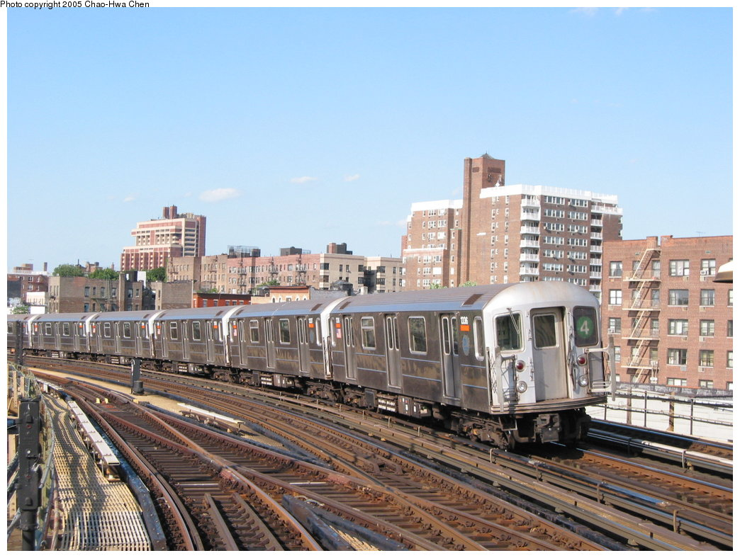 (197k, 1044x788)<br><b>Country:</b> United States<br><b>City:</b> New York<br><b>System:</b> New York City Transit<br><b>Line:</b> IRT Woodlawn Line<br><b>Location:</b> Bedford Park Boulevard <br><b>Route:</b> 4<br><b>Car:</b> R-62 (Kawasaki, 1983-1985)  1336 <br><b>Photo by:</b> Chao-Hwa Chen<br><b>Date:</b> 7/1/2003<br><b>Viewed (this week/total):</b> 6 / 3566