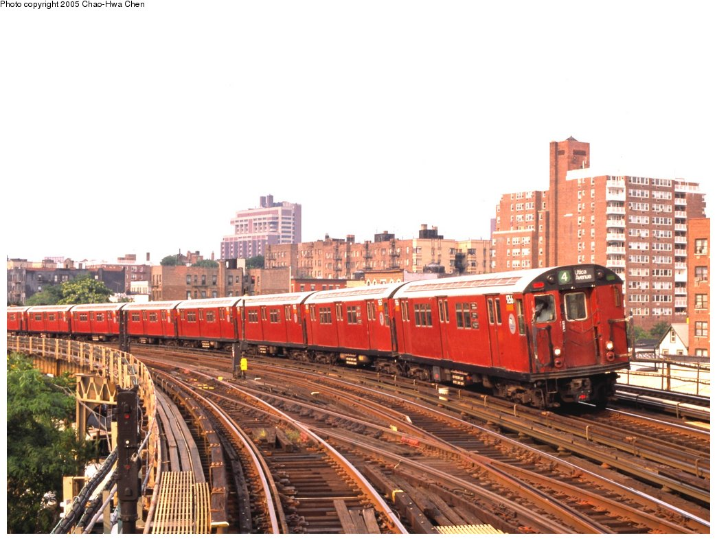 (162k, 1044x788)<br><b>Country:</b> United States<br><b>City:</b> New York<br><b>System:</b> New York City Transit<br><b>Line:</b> IRT Woodlawn Line<br><b>Location:</b> Bedford Park Boulevard <br><b>Route:</b> 4<br><b>Car:</b> R-33 Main Line (St. Louis, 1962-63) 9266 <br><b>Photo by:</b> Chao-Hwa Chen<br><b>Date:</b> 7/16/1999<br><b>Viewed (this week/total):</b> 2 / 3193