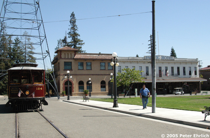 (149k, 720x472)<br><b>Country:</b> United States<br><b>City:</b> San Jose, CA<br><b>System:</b> Kelley Park Vintage Trolley <br><b>Car:</b>  124 <br><b>Photo by:</b> Peter Ehrlich<br><b>Date:</b> 7/30/2005<br><b>Notes:</b> At the San Jose Light Tower replica.<br><b>Viewed (this week/total):</b> 5 / 1188