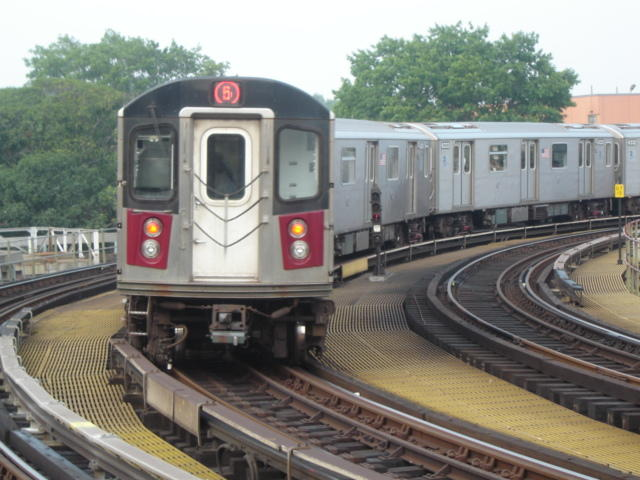 (60k, 640x480)<br><b>Country:</b> United States<br><b>City:</b> New York<br><b>System:</b> New York City Transit<br><b>Line:</b> IRT White Plains Road Line<br><b>Location:</b> West Farms Sq./East Tremont Ave./177th St. <br><b>Route:</b> 5<br><b>Car:</b> R-142 or R-142A (Number Unknown)  <br><b>Photo by:</b> DeAndre Burrell<br><b>Date:</b> 8/12/2005<br><b>Viewed (this week/total):</b> 3 / 3495