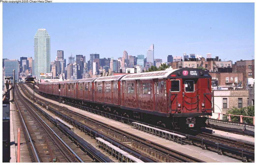 (171k, 1044x671)<br><b>Country:</b> United States<br><b>City:</b> New York<br><b>System:</b> New York City Transit<br><b>Line:</b> IRT Flushing Line<br><b>Location:</b> 46th Street/Bliss Street <br><b>Route:</b> 7<br><b>Car:</b> R-36 World's Fair (St. Louis, 1963-64) 9437 <br><b>Photo by:</b> Chao-Hwa Chen<br><b>Date:</b> 8/9/1999<br><b>Viewed (this week/total):</b> 3 / 3237