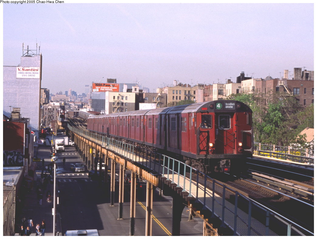 (181k, 1044x789)<br><b>Country:</b> United States<br><b>City:</b> New York<br><b>System:</b> New York City Transit<br><b>Line:</b> IRT Woodlawn Line<br><b>Location:</b> Fordham Road <br><b>Route:</b> 4<br><b>Car:</b> R-33 Main Line (St. Louis, 1962-63) 9281 <br><b>Photo by:</b> Chao-Hwa Chen<br><b>Date:</b> 5/11/1999<br><b>Viewed (this week/total):</b> 1 / 4473
