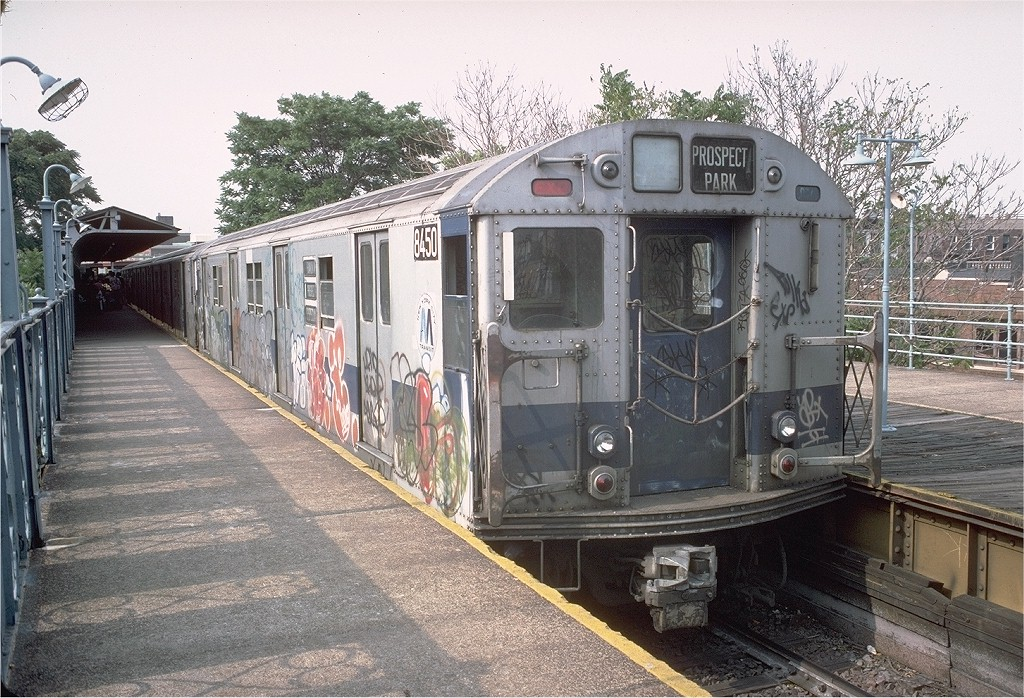 (268k, 1024x698)<br><b>Country:</b> United States<br><b>City:</b> New York<br><b>System:</b> New York City Transit<br><b>Line:</b> BMT Franklin<br><b>Location:</b> Franklin Avenue <br><b>Route:</b> Franklin Shuttle<br><b>Car:</b> R-30 (St. Louis, 1961) 8450 <br><b>Photo by:</b> Doug Grotjahn<br><b>Collection of:</b> Joe Testagrose<br><b>Date:</b> 6/18/1977<br><b>Viewed (this week/total):</b> 9 / 2698