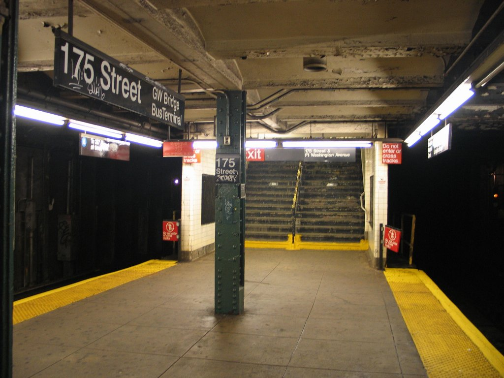 (134k, 1024x768)<br><b>Country:</b> United States<br><b>City:</b> New York<br><b>System:</b> New York City Transit<br><b>Line:</b> IND 8th Avenue Line<br><b>Location:</b> 175th Street/George Washington Bridge Bus Terminal <br><b>Photo by:</b> Brian Weinberg<br><b>Date:</b> 8/21/2005<br><b>Notes:</b> Looking south at the southern-most exit.<br><b>Viewed (this week/total):</b> 1 / 3637
