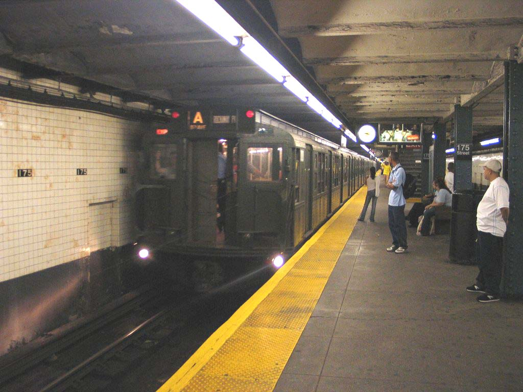 (115k, 1024x768)<br><b>Country:</b> United States<br><b>City:</b> New York<br><b>System:</b> New York City Transit<br><b>Line:</b> IND 8th Avenue Line<br><b>Location:</b> 175th Street/George Washington Bridge Bus Terminal <br><b>Route:</b> Fan Trip<br><b>Car:</b> R-1 (American Car & Foundry, 1930-1931) 100 <br><b>Photo by:</b> Brian Weinberg<br><b>Date:</b> 8/21/2005<br><b>Notes:</b> Technically not on the fantrip-- Consist was deadheading to Columbus Circle for a Transit Museum excursion to the Rockaways.<br><b>Viewed (this week/total):</b> 2 / 4555