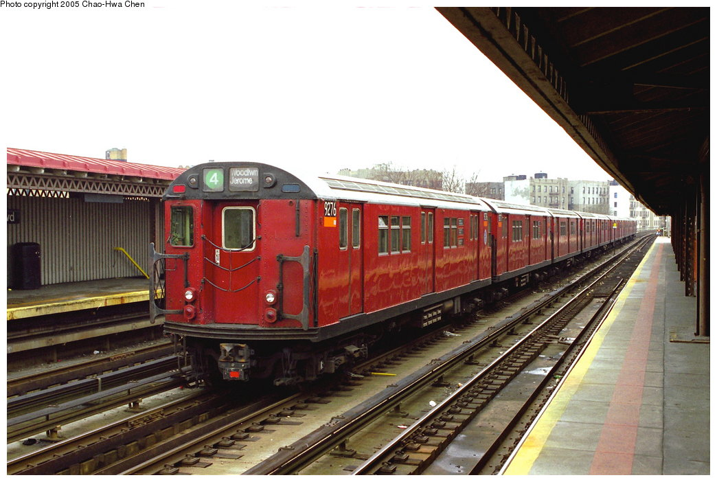 (166k, 1044x702)<br><b>Country:</b> United States<br><b>City:</b> New York<br><b>System:</b> New York City Transit<br><b>Line:</b> IRT Woodlawn Line<br><b>Location:</b> Bedford Park Boulevard <br><b>Route:</b> 4<br><b>Car:</b> R-33 Main Line (St. Louis, 1962-63) 9276 <br><b>Photo by:</b> Chao-Hwa Chen<br><b>Date:</b> 3/20/1998<br><b>Viewed (this week/total):</b> 2 / 2989