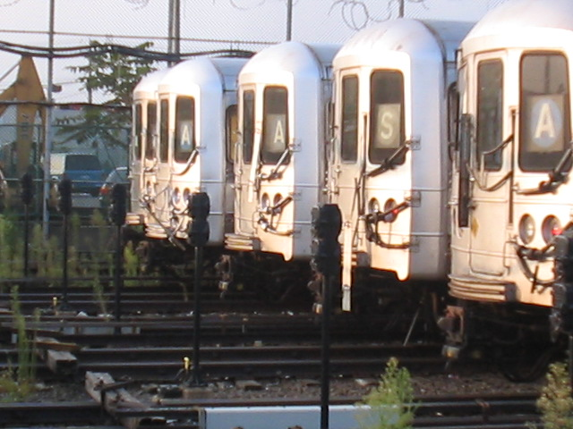 (111k, 640x480)<br><b>Country:</b> United States<br><b>City:</b> New York<br><b>System:</b> New York City Transit<br><b>Location:</b> Rockaway Park Yard<br><b>Car:</b> R-44 (St. Louis, 1971-73)  <br><b>Photo by:</b> Daniel Borde<br><b>Date:</b> 8/20/2005<br><b>Viewed (this week/total):</b> 4 / 3644