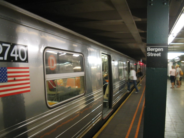 (96k, 640x480)<br><b>Country:</b> United States<br><b>City:</b> New York<br><b>System:</b> New York City Transit<br><b>Line:</b> IND Crosstown Line<br><b>Location:</b> Bergen Street <br><b>Route:</b> D<br><b>Car:</b> R-68 (Westinghouse-Amrail, 1986-1988)  2740 <br><b>Photo by:</b> Daniel Borde<br><b>Date:</b> 8/21/2005<br><b>Viewed (this week/total):</b> 0 / 6974