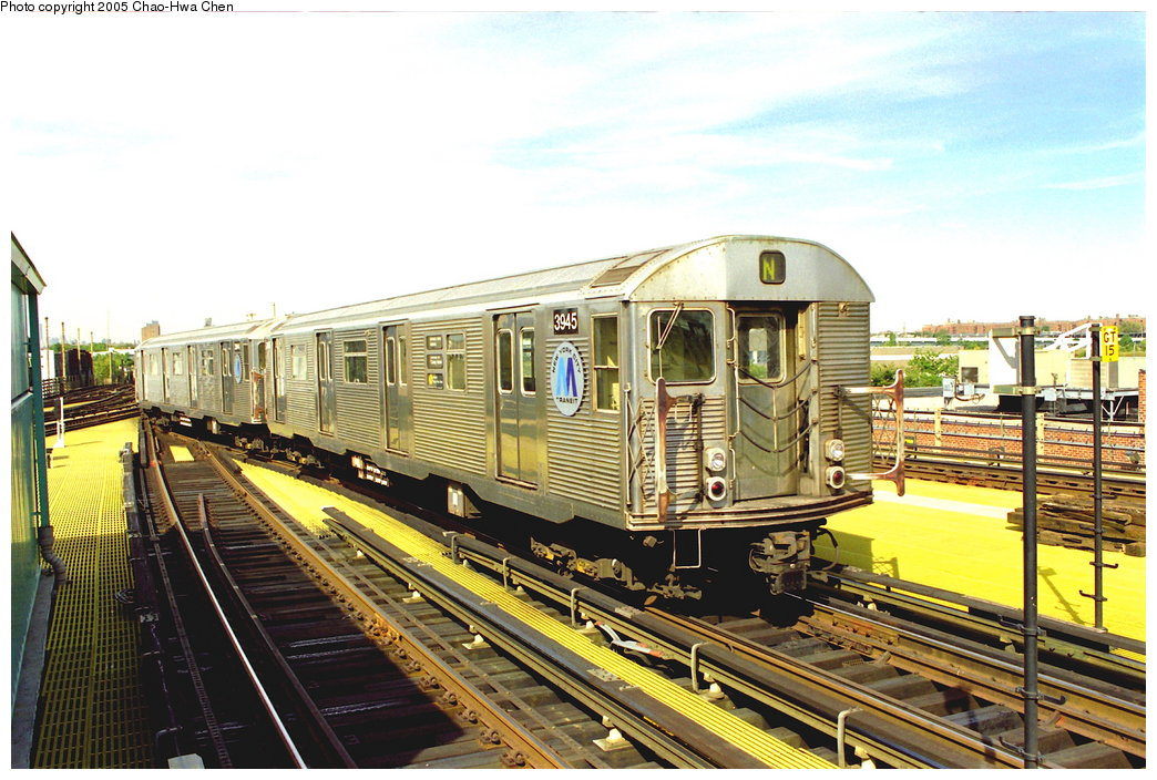 (198k, 1044x704)<br><b>Country:</b> United States<br><b>City:</b> New York<br><b>System:</b> New York City Transit<br><b>Location:</b> Coney Island/Stillwell Avenue<br><b>Route:</b> N<br><b>Car:</b> R-32 (Budd, 1964)  3945 <br><b>Photo by:</b> Chao-Hwa Chen<br><b>Date:</b> 10/2/1997<br><b>Viewed (this week/total):</b> 15 / 4726
