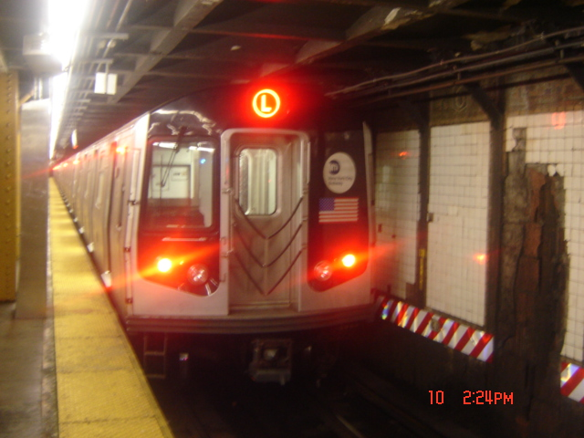 (150k, 640x480)<br><b>Country:</b> United States<br><b>City:</b> New York<br><b>System:</b> New York City Transit<br><b>Line:</b> BMT Canarsie Line<br><b>Location:</b> 6th Avenue <br><b>Route:</b> L<br><b>Car:</b> R-143 (Kawasaki, 2001-2002)  <br><b>Photo by:</b> DeAndre Burrell<br><b>Date:</b> 7/10/2005<br><b>Viewed (this week/total):</b> 1 / 3335