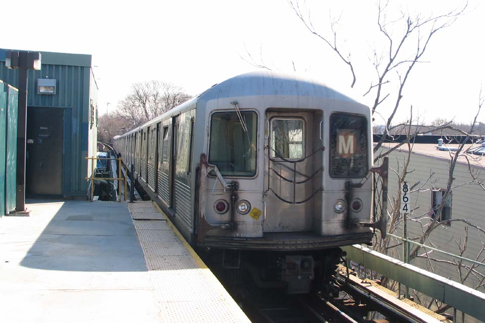 (84k, 960x640)<br><b>Country:</b> United States<br><b>City:</b> New York<br><b>System:</b> New York City Transit<br><b>Line:</b> BMT Myrtle Avenue Line<br><b>Location:</b> Fresh Pond Road <br><b>Route:</b> M<br><b>Car:</b> R-42 (St. Louis, 1969-1970)   <br><b>Photo by:</b> Michael Pompili<br><b>Date:</b> 3/23/2004<br><b>Viewed (this week/total):</b> 0 / 2746